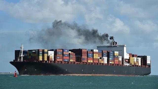 OMI pede urgência na redução de poluição no transporte marítimo