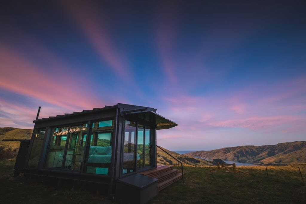 06-The-Beauty-of-Nature-New-Zealand-PurePods-Glass-Tiny-House-Architecture-www-designstack-co