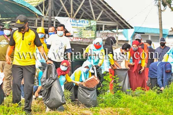 Peringati Word Clean Up Day, Camat Tarumajaya Harapkan Bekasi Bebas Sampah