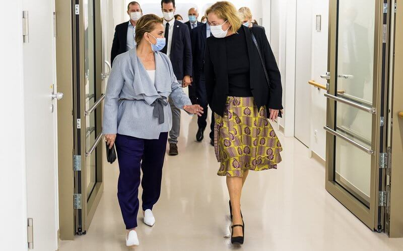 Grand Duchess Maria Teresa wore a wool cashmere belted jacket from Maison Rabih Kayrouz
