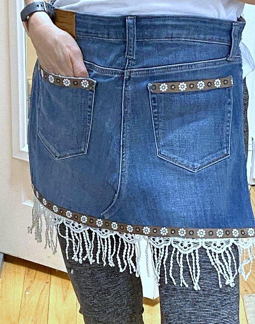 DIY Garden apron tutorial using denim jeans