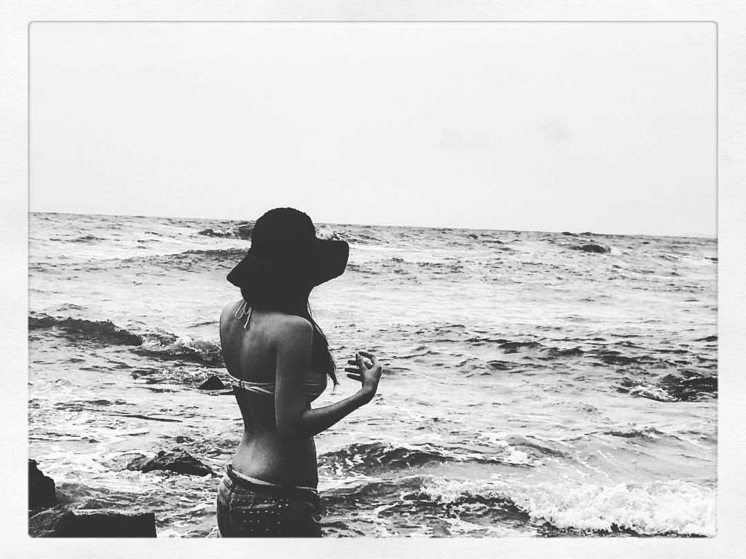 Amyra Dastur in Black Bikini