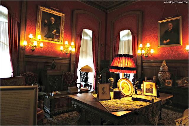 Biblioteca de la Mansión The Elms en Newport