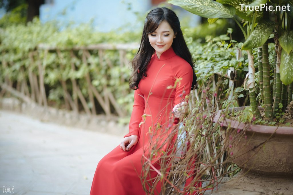 Image-Vietnamese-Model-Beautiful-Girl-and-Ao-Dai-Red-Vietnamese-Traditional-Dress-TruePic.net- Picture-4