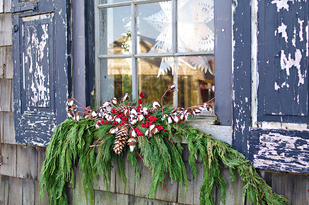 Threads And Snippets In The Christmas Spirit At Terrain