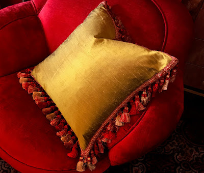 Posh Pillows - Getting Elegant With Home Decor