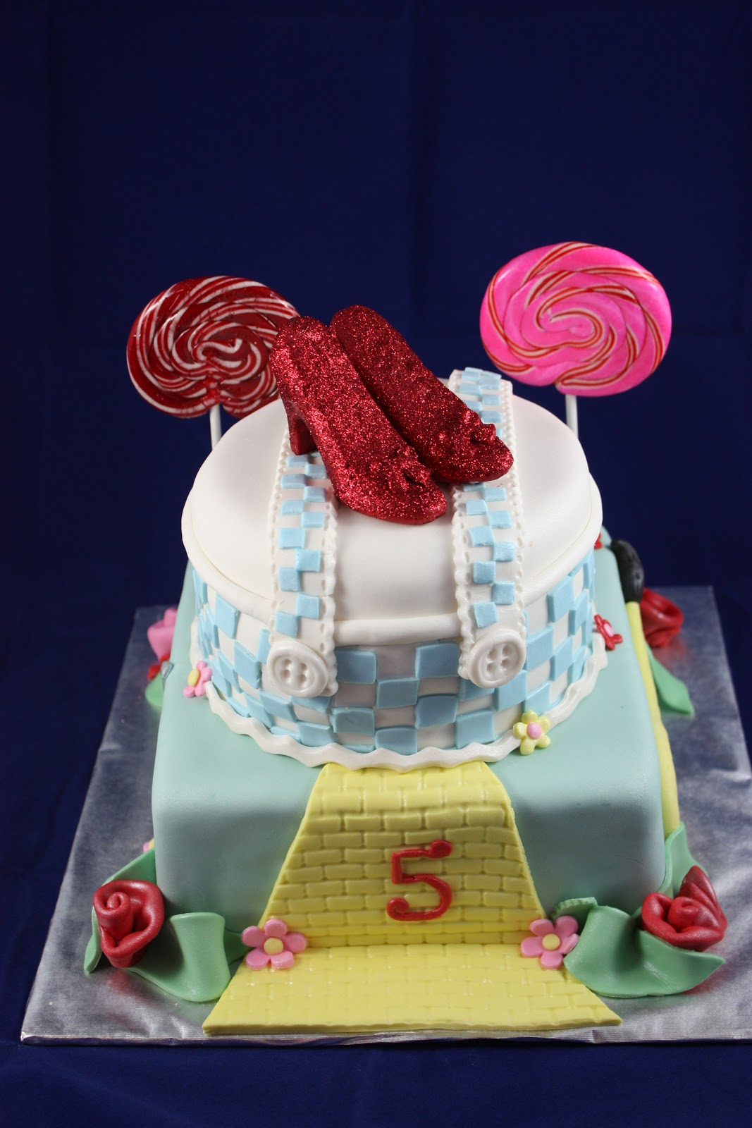Sweet On You Designer Cups Amp Cakes Wizard Of Oz Cake