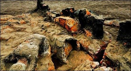 Pantai Air Manis dan Batu Malin Kundang
