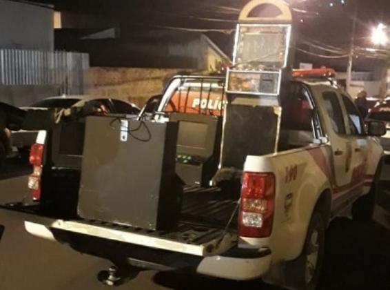 Em Santana do Ipanema, polícia recolhe quatro  máquinas caça-níqueis