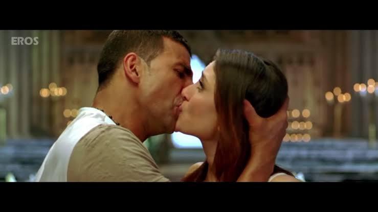 kareena kapoor kissing scene