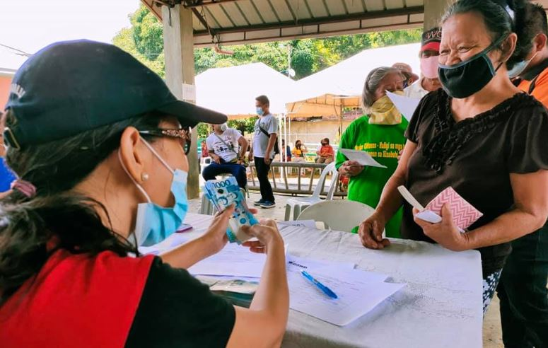 SAP cash aid distribution in Carcar City, Cebu