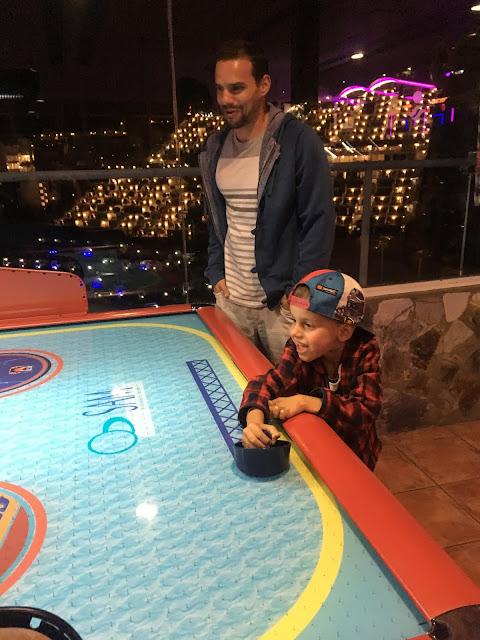 Gran Canaria – noční život s dětmi v hotelové herně