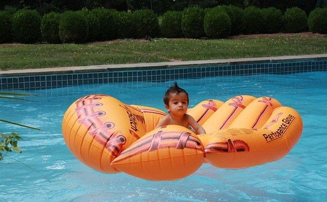 Plaatsen om baby's te leren zwemmen