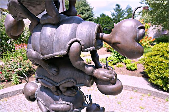 Yoruga la Tortuga en el Dr. Seuss National Memorial Sculpture Garden, Springfield