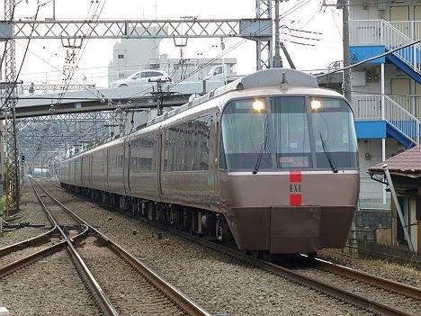 小田急電鉄 はこね/えのしま号 箱根湯本/片瀬江ノ島行き EXE30000形(2018.3消滅)