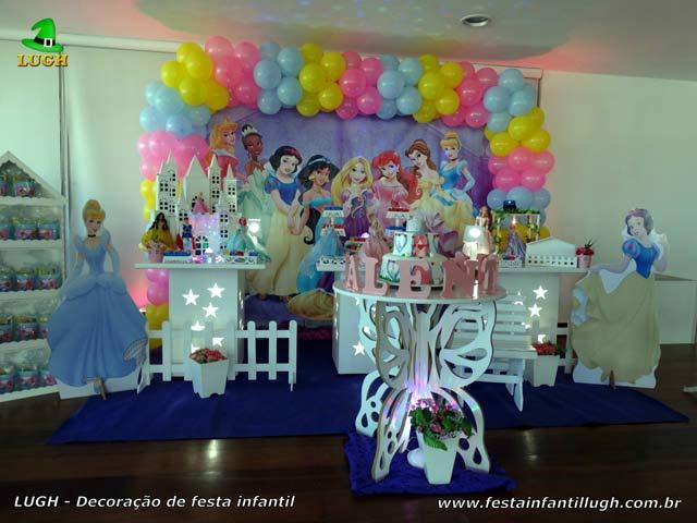 Decoração provençal para festa de aniversário infantil tema Princesas Disney