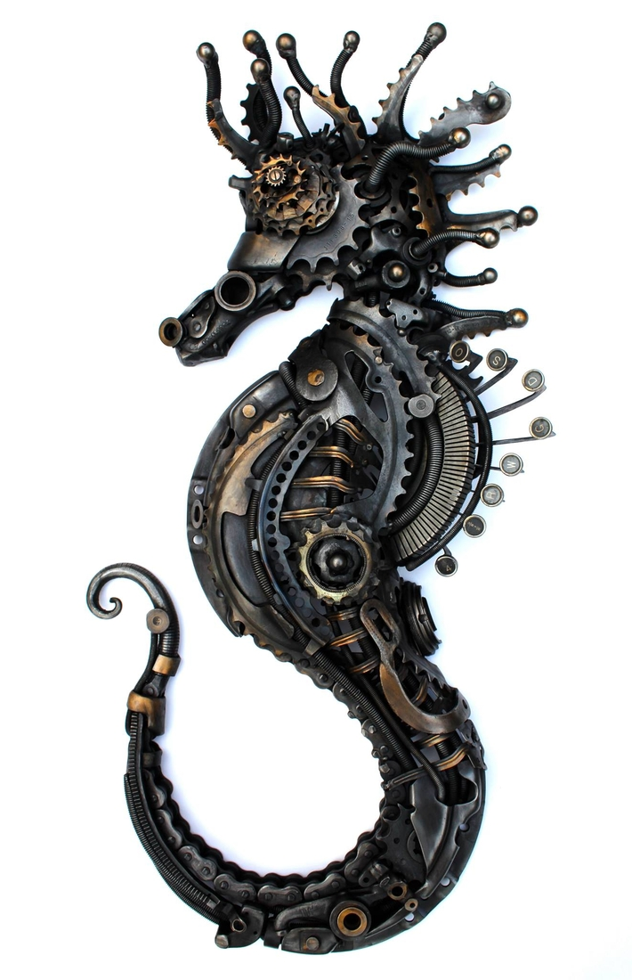 07-Steampunk-Seahorse-Alan-Williams-Animals-Sculptured-with-Recycled-and-Upcycled-Metal-www-designstack-co