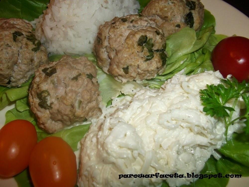 Klopsiki ziołowe z ryżem z parowaru