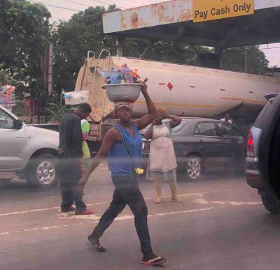 vendedores ambulantes ghana