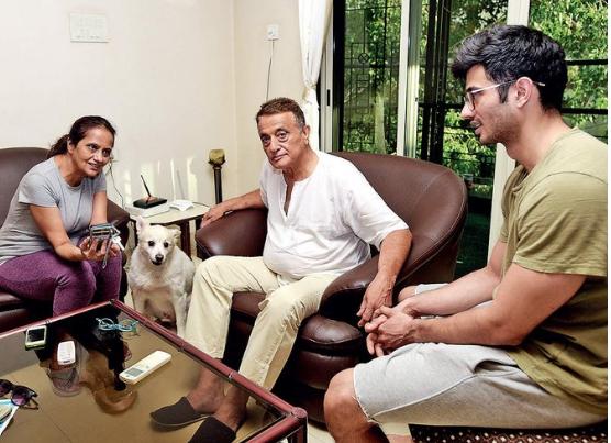 अभिनेत्री रंजीता कौर ने बेटे के साथ मिलकर पति की पिटाई की,पति ने फोन कर घर बुलाई पुलिस!