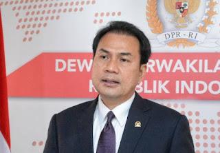 Aziz Syamsuddin Ibadah Umroh Dibuka