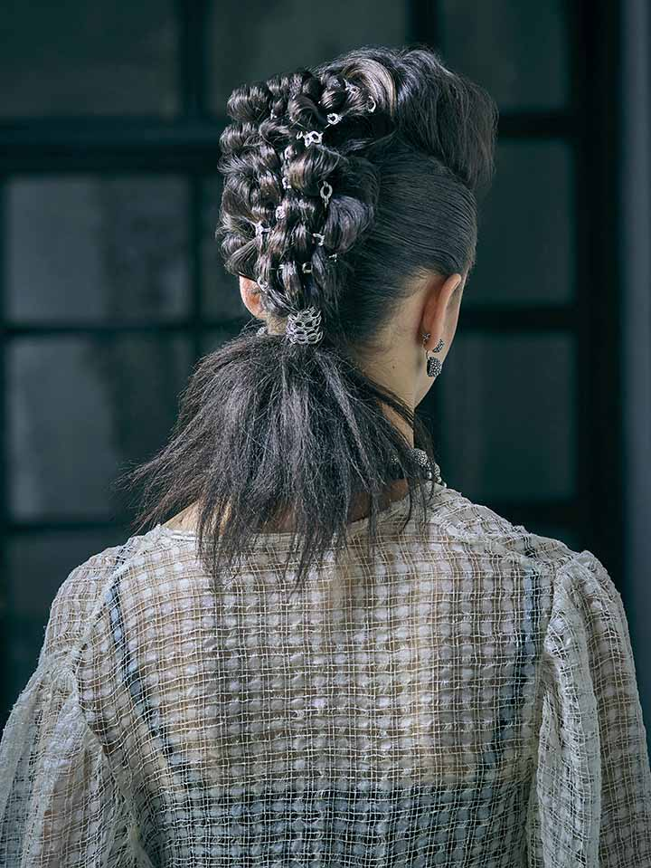 peinados con accesorios trenzas 2020