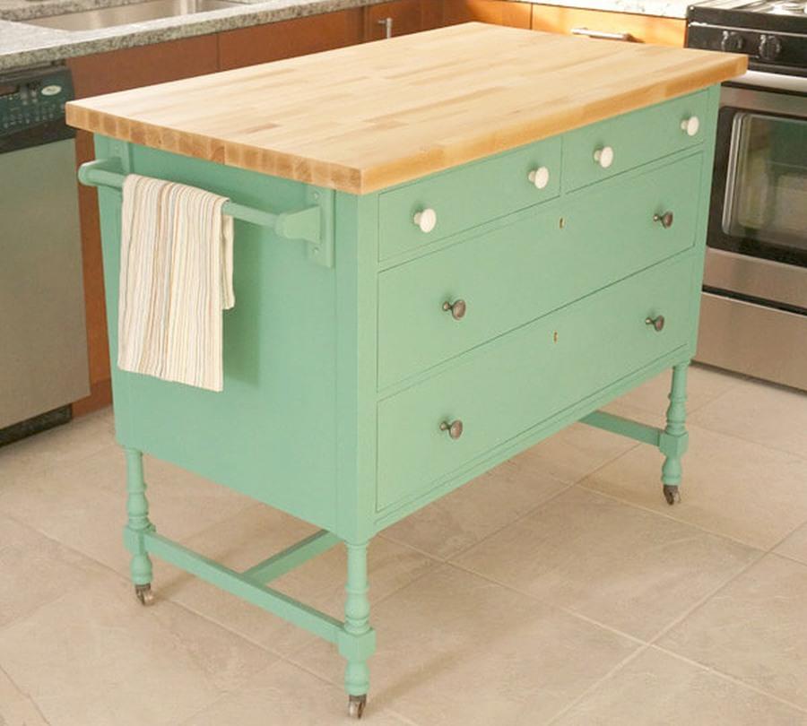Idee fai da te per l'isola in cucina dipingendo vecchi mobili