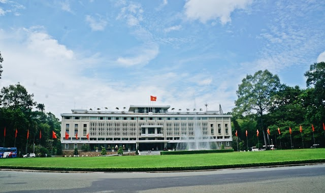 Lost in the Independence Palace
