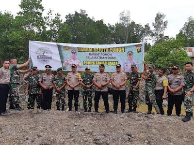 Kapolres Tanjab Barat Bersama Forkompimda Laksanakan Kegiatan Tanam Sejuta Pohon Mangrove Di Pangkal Babu Kecamatan Tungkal Ilir