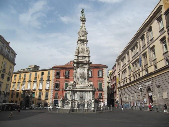 Turismo: le Guglie di Napoli