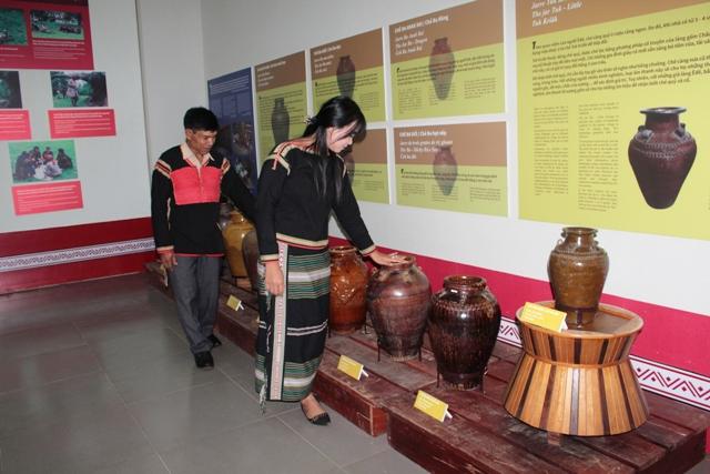 Bộ sưu tập ché trong đời sống người Êđê tại Bảo tàng tỉnh