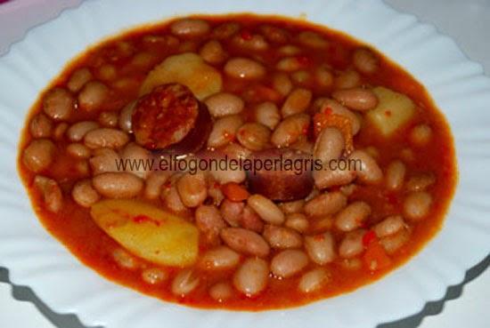 Jud as pintas con chorizo el fog n de la perla gris - Judias con chorizo y patatas ...