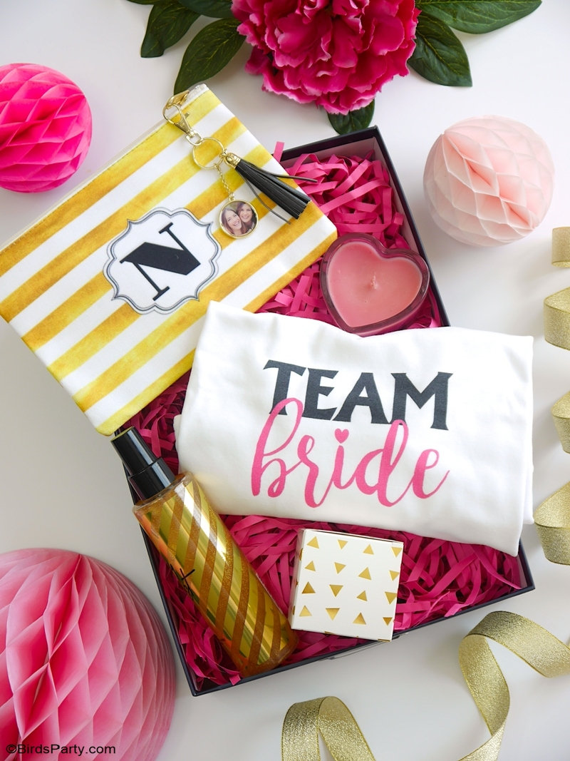 DIY Cadeaux et Papeterie Pour Une Douche Nuptiale - idées facile à réaliser soi même pour une fête d'enterrement de vie de jeune fille! #WalmartPhoto | #sponsored content created by @birdsparty for @wm_photo_center #wedding #pinkmarblewedding #weddingpartyideas #diywedding #weddingcrafts #weddingsuite #pinkmarbleweddingsuite #diyweddingdecor #weddingdecor #weddingfavors #diyweddinggifts