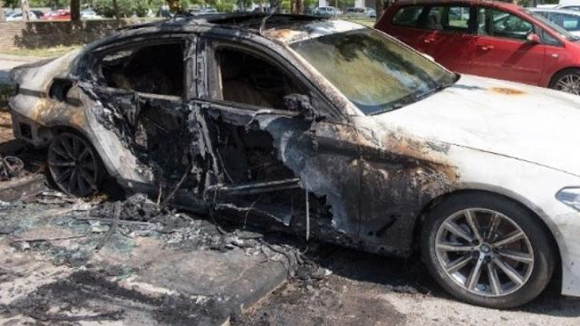 Τρίπολη: Αυτοκίνητο τυλίχθηκε στις φλόγες