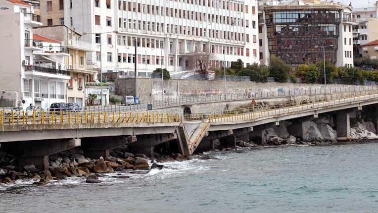 Περιφέρεια ΑΜ-Θ: Ανυπόστατες δηλώσεις για το θέμα της πεσμένης γέφυρας της Καβάλας