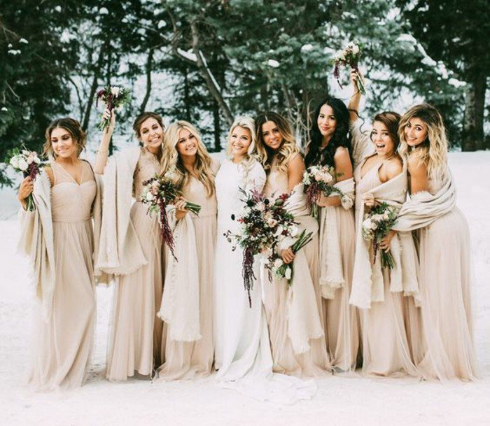 robe de soirée longue avec boléro pour mariage hiver