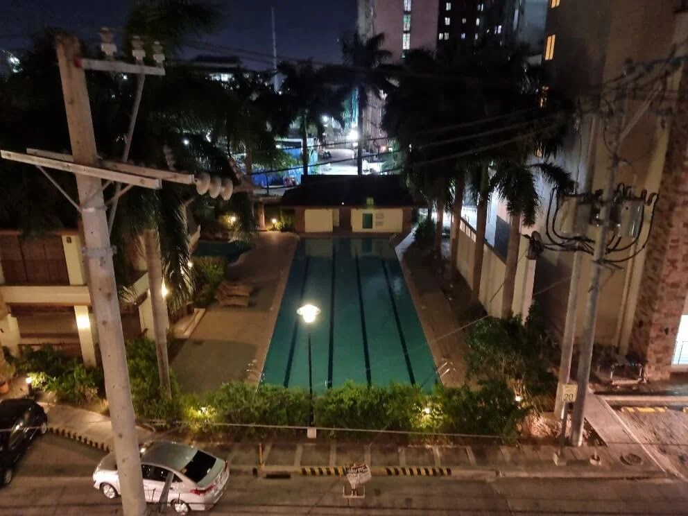 Samsung Galaxy S21+ Camera Sample - Pool, Night, Normal