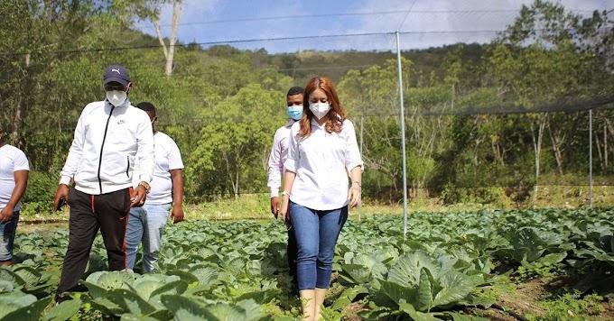 Agricultura familiar, un gran empuje de Gloria Reyes y Supérate
