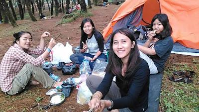 10 Persiapan Penting Sebelum Berangkat Camping