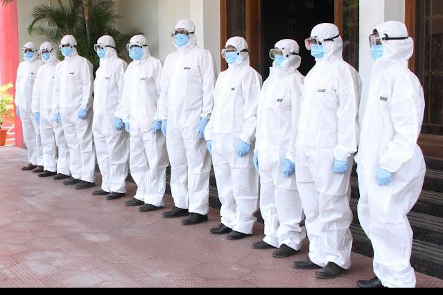 doctors-wearing-ppe-kits