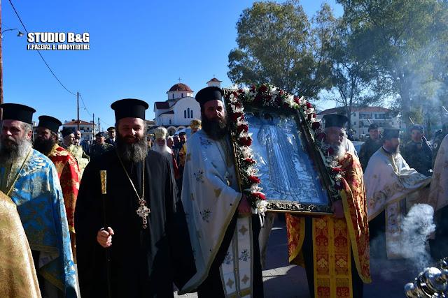Ναύπλιο: Η λιτάνευση της εικόνας του πολιούχου Αγίου Αναστασίου (βίντεο)