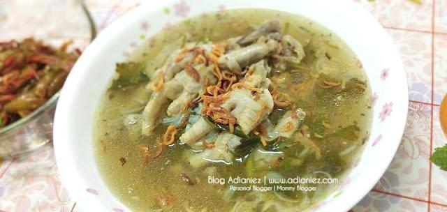 Resepi | Sup Kaki Ayam & Ikan Bilis Goreng Cili Padi Dengan Belimbing Buluh