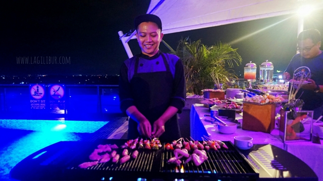 Barbeque Bar Rooftop Kitchen & Lounge Satoria Hotel