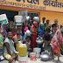 अलीगंज : पेयजल से वंचित ग्रामीणों ने प्रखंड कार्यालय पर किया प्रदर्शन, मिलने लगा पानी