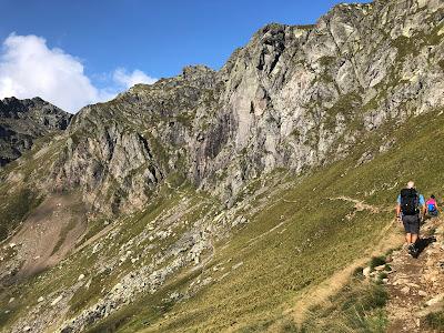 On trail 108 near Passo Salmurano, heading toward the canalone.