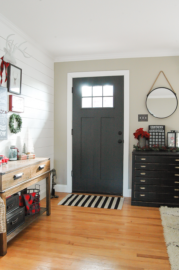 Classic Christmas Entryway