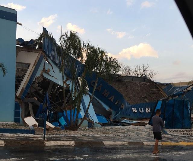 Mais de 200 casas são afetadas por forte chuva e granizo no Paraná