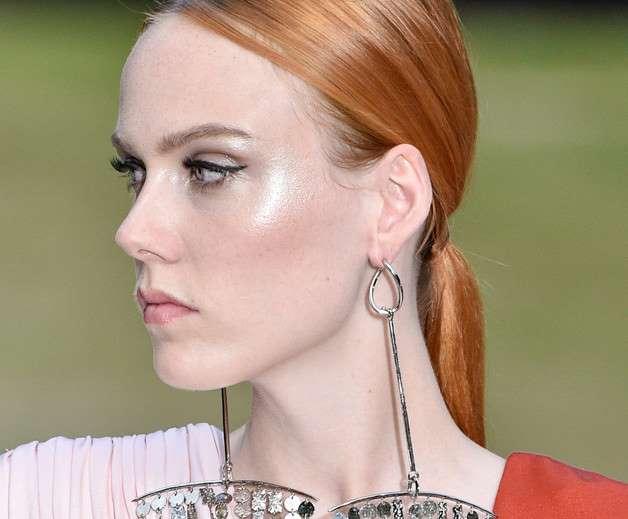 Tips de maquillaje para que no te vuelva brillar la cara nunca más