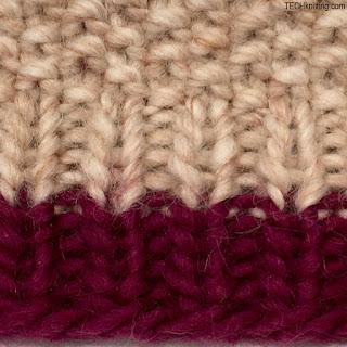 shortening ribbing, closeup of stretched fabric TECHknitting.com