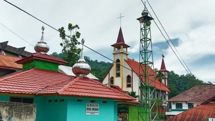 Potret Toleransi di Toraja, Masjid Berhadapan dengan Gereja